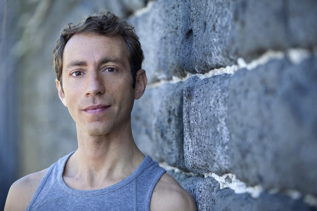 L'insegnante di Yoga e Pilates Enzo Ventimiglia