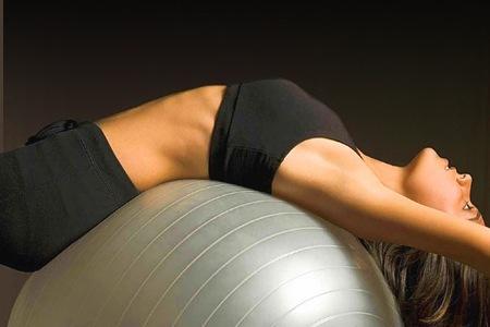 Mantenere una postura corretta è l'atnidoto contro dolori e inestetismi