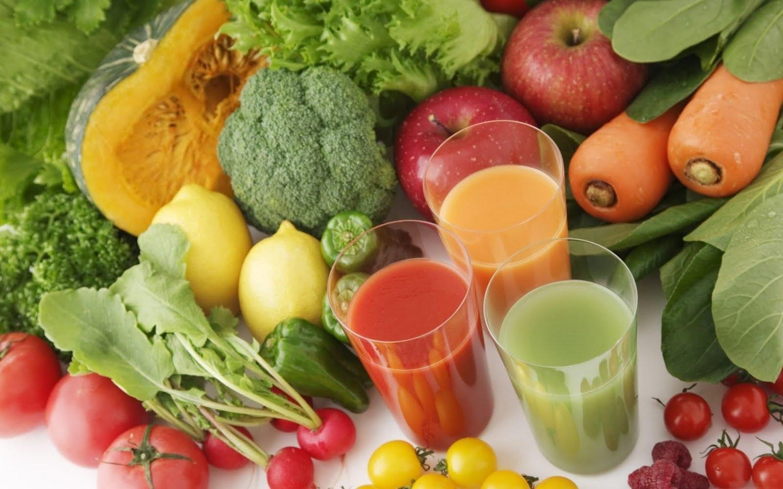 Un frullato o un estratto consentono di introdurre più frutta e verdura nell'alimentazione