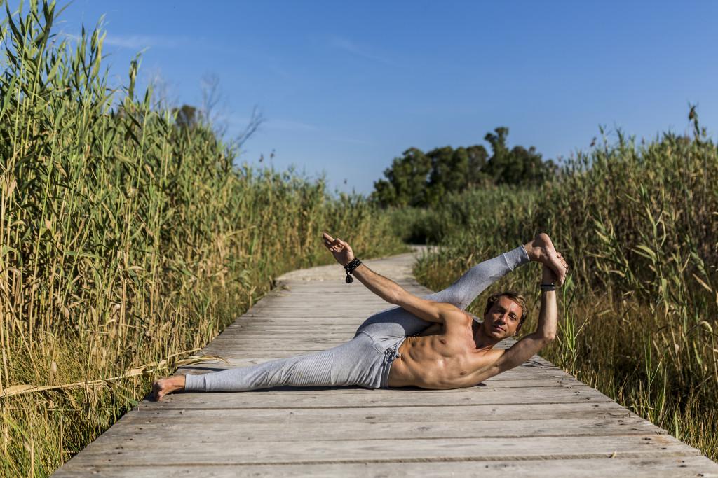 Lo yoga permette di migliorare la flessibilità delle anche