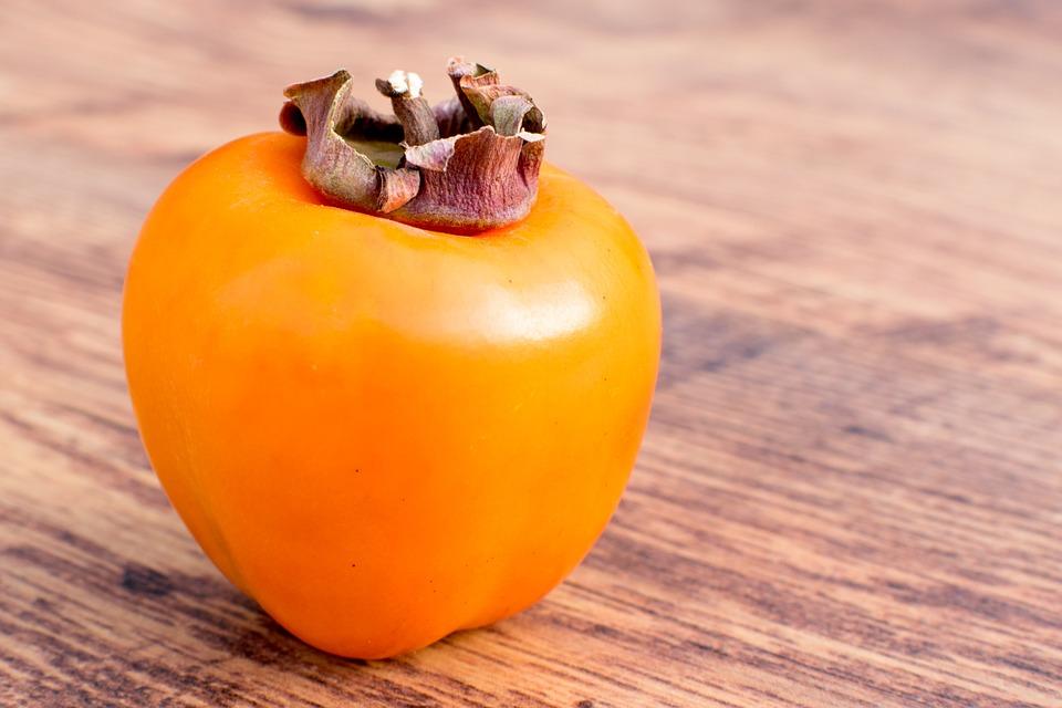 Il caco è un frutto ricco di proprietà benefiche per il nostro organismo