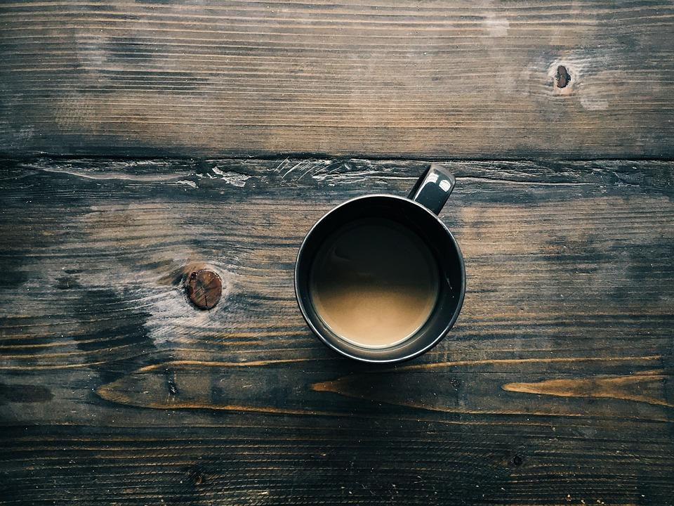 Il caffè fa bene o no? 8 ragioni per berlo senza problemi